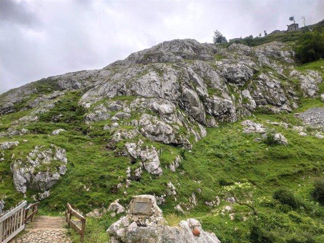 Ruta de senderismo entre Poncebos y Bulnes
