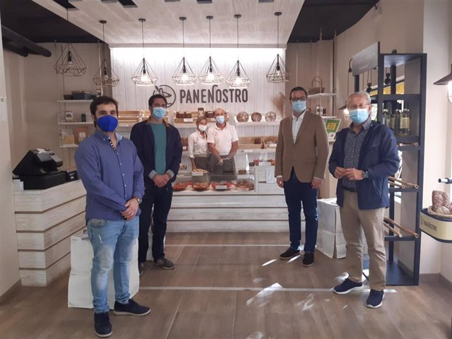 José Hila visita Pane Nostro dentro de la 'ruta del llonguet'