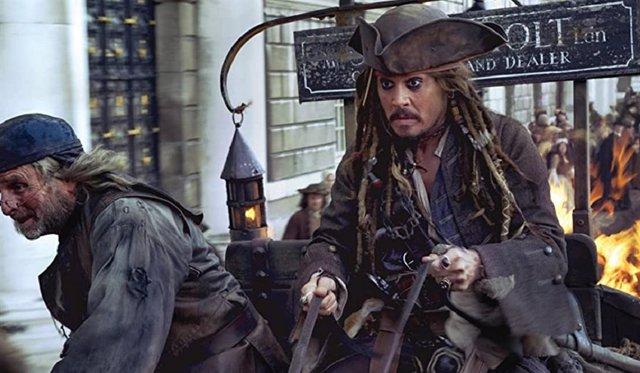 Piden que Johnny Depp regrese a la saga Piratas del Caribe