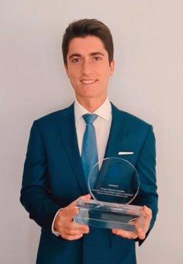 Enrique Salmeron González ganador del Premio Sanitas MIR 2020