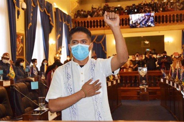 El líder cocalero Andrónico Rodríguez toma posesión como presidente del Seando de Bolivia.