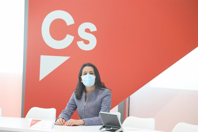 La presidenta de Ciudadanos, Inés Arrimadas, participa en la reunión del Comité Permanente de Ciudadanos, en Madrid, (España), a 16 de noviembre de 2020. El encuentro se ha centrado la actual negociación de los Presupuestos Generales del Estado (PGE)