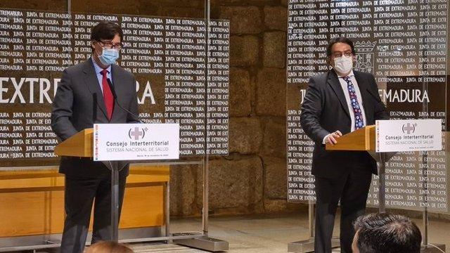 El ministro de Sanidad, Salvador Illa, y el consejero extremeño de Sanidad, José María Vergeles