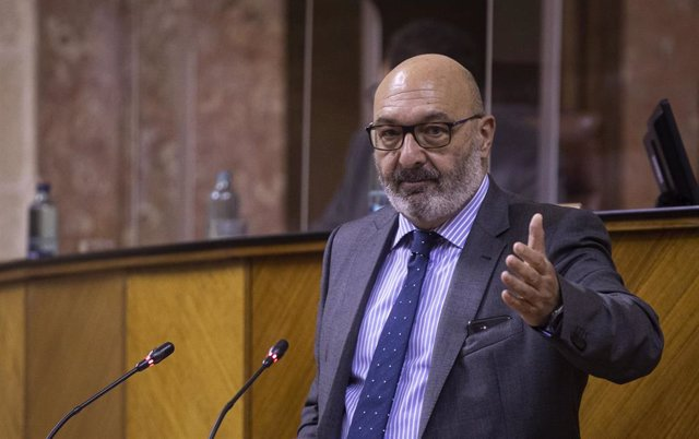 El portavoz del grupo parlamentario Vox, Alejandro Hernández, durante su intervención en el pleno para el Debate de totalidad del proyecto de Ley de Presupuestos de 2021, este miércoles.