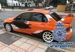 Vehículo intervenido por la Policía Nacional a un comercial que estafó en la venta de vehículos de lujo