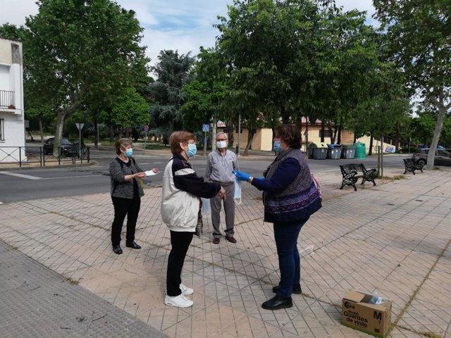 Coronavirus.- El IMAS de Cáceres reparte mascarillas a personas mayores y asociaciones de la ciudad