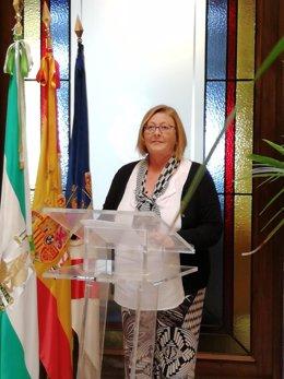 La alcaldesa de Almonte (Huelva), Rocío del Mar Castellano, en rueda de prensa.
