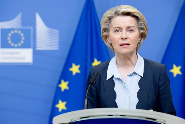 HANDOUT - 16 November 2020, Belgium, Brussels: European Commission President Ursula von der Leyen gives a statement at the EU headquarters in Brussels. Photo: Etienne Ansotte/European Commission/dpa - ATTENTION: editorial use only and only if the credit m