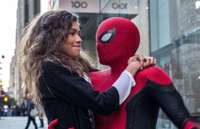Zendaya y Spider-Man en Lejos de Casa