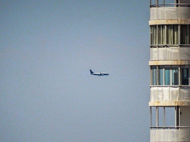 Avión, ruido, ciudad
