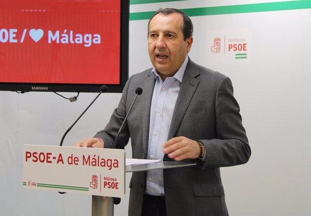 José Luiz Ruiz Espejo, secretario general del PSOE de Málaga en rueda de prensa