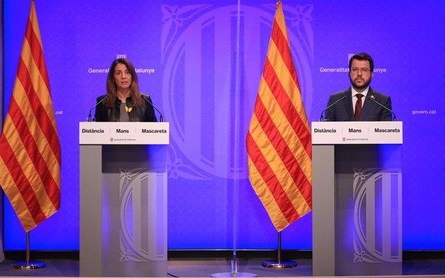 La consellera de Presidència i portaveu del Govern, Meritxell Budó, i el vicepresident, Pere Aragonès, en roda de premsa telemàtica per presentar el pla d'obertura que flexibilitza les restriccions durant la segona onada del coronavirus a Catalunya.