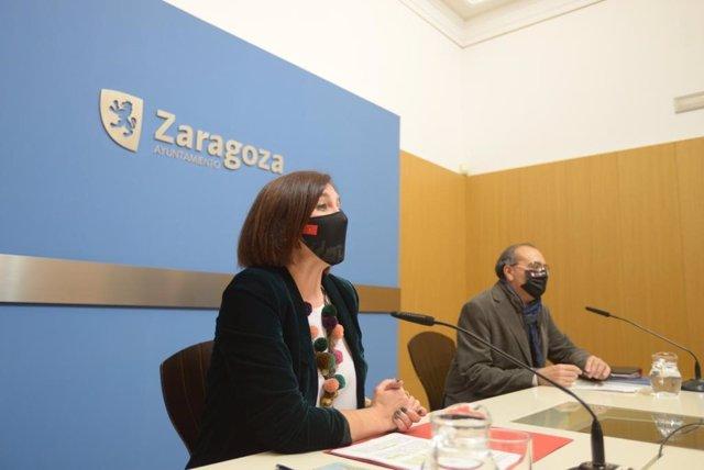 La vicealcaldesa y consejera de Cultura y Proyección Exterior del Ayuntamiento de Zaragoza, Sara Fernández, y el director de la Oficina de Proyección Exterior, Fernando Bermúdez.