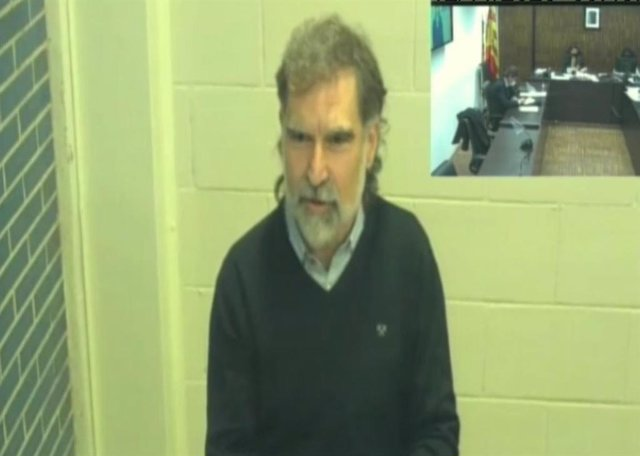 El presidente de Òmnium, Jordi Cuixart, comparece por videoconferencia en el juicio por una demanda a la entidad por usar la voz de un guardia civil en un vídeo. El 12 de noviembre de 2020.