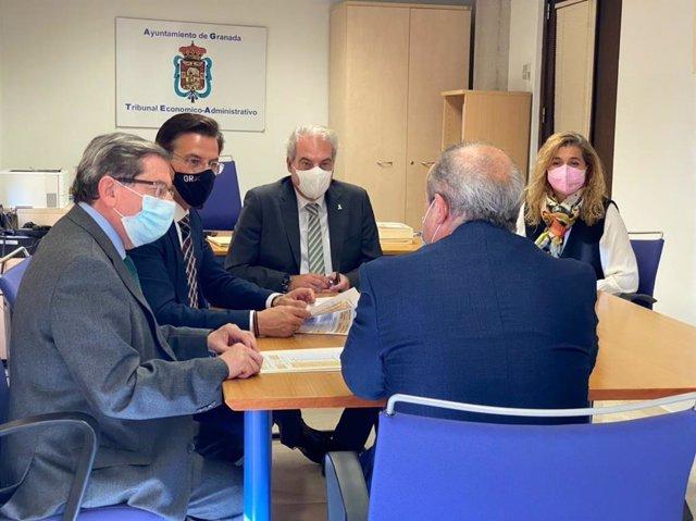 Visita del equipo de gobierno local de Granada al Tribunal Económico Administrativo Municipal