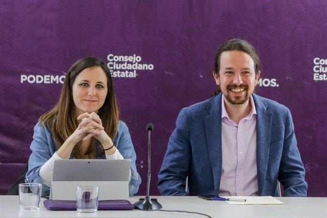 El secretario general de Podemos y vicepresidente de Derechos Sociales y Agenda 2030 del Gobierno, Pablo Iglesias, y la portavoz adjunta de Unidas Podemos en el Congreso, Ione Belarra, durante una reunión del Consejo Ciudadano Estatal (CCE) de Podemos.