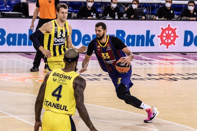Nikola Mirotic of Fc Barcelona during the Turkish Airlines EuroLeague match between  Fc Barcelona and Fenerbahce Beko Istambul at Palau Blaugrana on November 12, 2020 in Barcelona, Spain.
