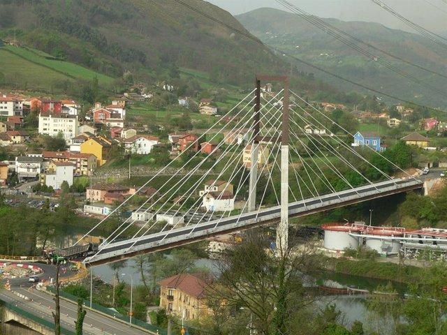 Accesos por carretera a Soto de Ribera, en el concejo de Ribera de Arriba, en Asturias.