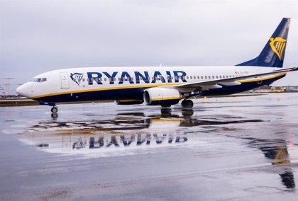 Ryanair extiende la anulación de su tasa de cambio de vuelo para las reservas de diciembre y enero