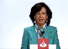 La presidenta del Santander, Ana Botín, en la junta general de accionistas 2020.