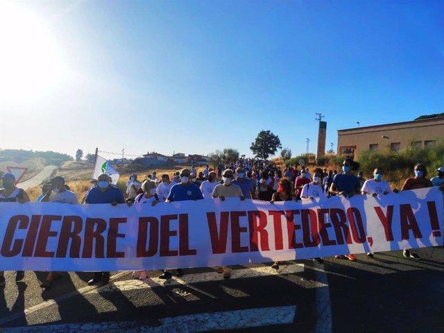 Concentración para pedir el cierre del vertedero de Nerva (Huelva).