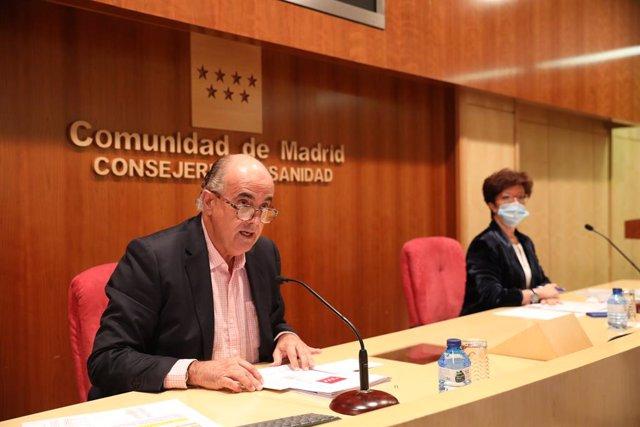 El vicepresident de Salut Pública i Pla Covid de la Comunitat de Madrid, Antonio Zapatero; i la directora general de Salut Pública, Elena Andradas.