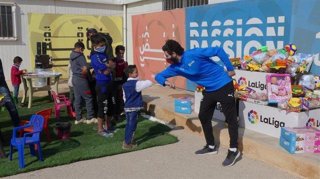 La campaña 'Un Juguete, Una ilusión' lleva 35.000 juguetes al campo de refugiados de Za'atari