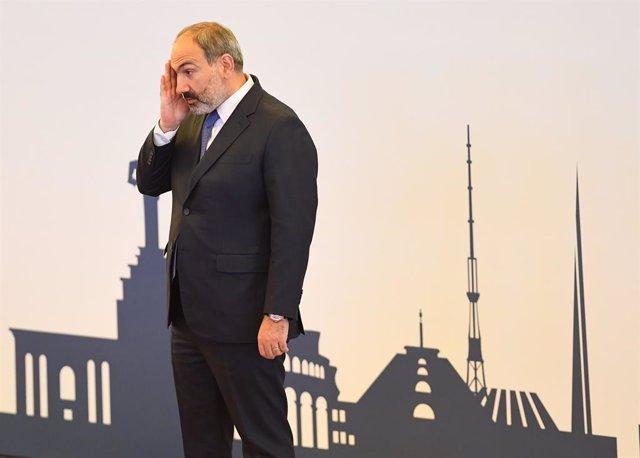 Nikol Pashinián en una imagen de archivo antes de una reunión del Consejo Intergubernamental Euroasiático