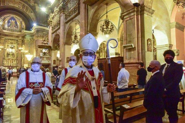 El cardenal Juan José Omella en una misa en Barcelona, Cataluña, (España).