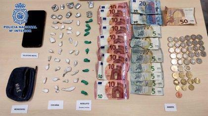 Detenido en Jerez (Cádiz) con 33 papelinas de cocaína y diez de rebujito