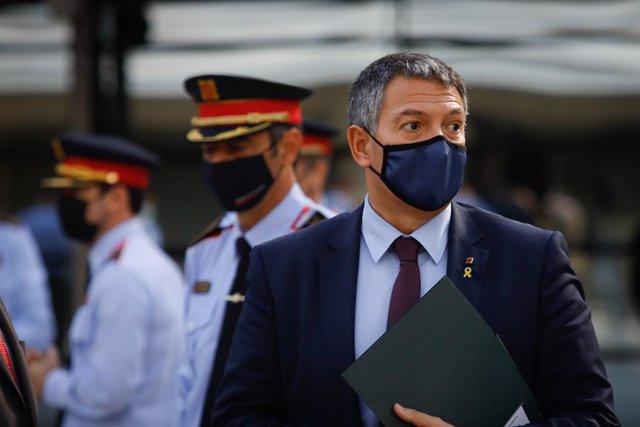 El conseller d'Interior de la Generalitat, Miquel Sàmper, en l'acte de restitució de Josep Lluís Trapero com a major dels Mossos d'Esquadra. Barcelona, Catalunya (Espanya), 13 de novembre del 2020.