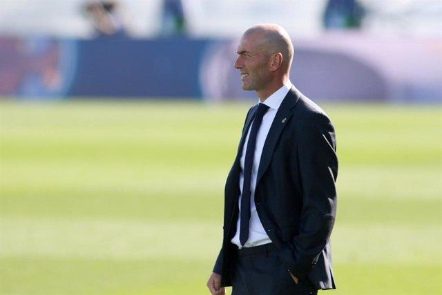 Zinedine Zidane, head coach of Real Madrid, looks on during the spanish league, La Liga Santander, football match played between Real Madrid and SD Huesca at Alfredo Di Stefano stadium on October 31, 2020, in Valdebebas, Madrid, Spain.