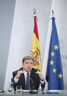 El ministro de Agricultura, Pesca y Alimentación, Luis Planas, comparece en rueda de prensa posterior al Consejo de Ministros en Moncloa, Madrid (España), a 3 de noviembre de 2020.