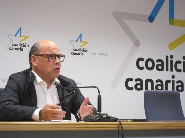 El secretario general de CC, José Miguel Barragán, en rueda de prensa