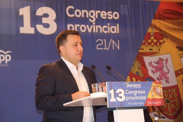 El candidato a la presidencia del PP Manuel Serrano