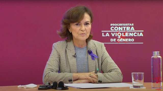 La vicepresidenta del Gobierno, Carmen Calvo, durante su intervención en el acto 'Progresistas contra la violencia de género'