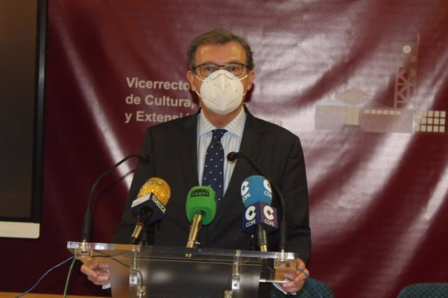 El candidato a rector de la UCLM, Miguel Ángel Collado