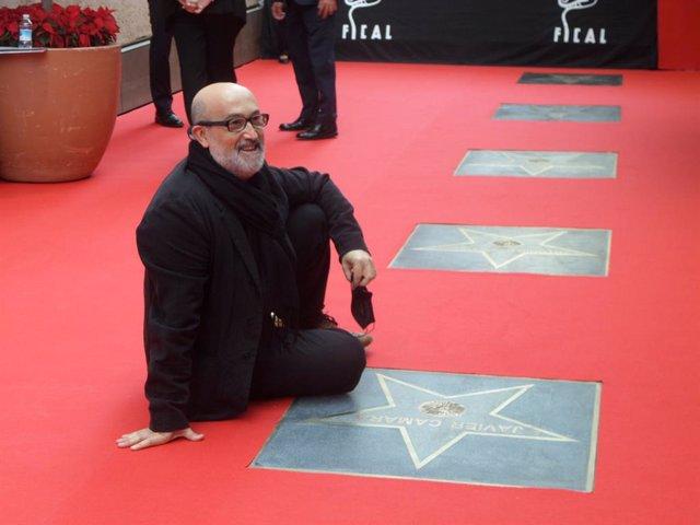 El actor Javier Cámara descubre su estrella en el Paseo de la Fama de Almería