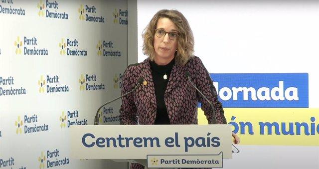 La candidata del PDeCAT a la Presidència de la Generalitat i exconsellera, Àngels Chacón, durant un acte telemàtic del món municipal del partit.