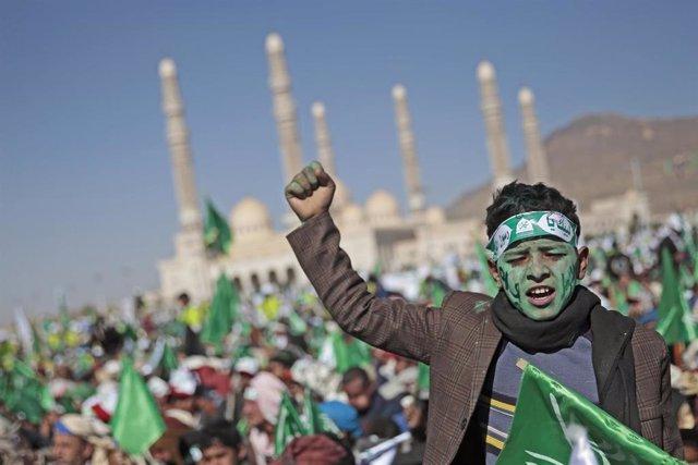 Manifestación huthi en la capital de Yemen, Saná