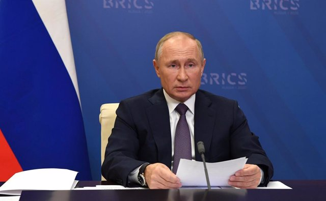 HANDOUT - 17 November 2020, Russia, Moscow: Russian President Vladimir Putin takes part in the 12th BRICS Summit via videoconference at Novo-Ogaryovo state residence. Photo: -/Kremlin/dpa - ATTENTION: editorial use only and only if the credit mentioned ab