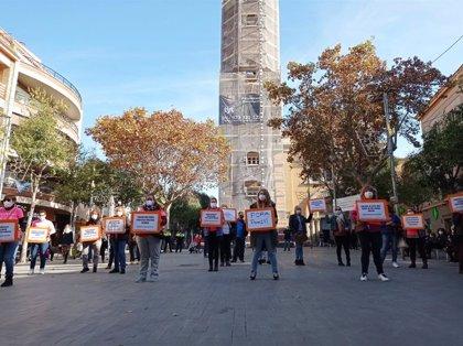 Entitats en defensa dels serveis públics es concentren a Barcelona i Sant Feliu (Barcelona)