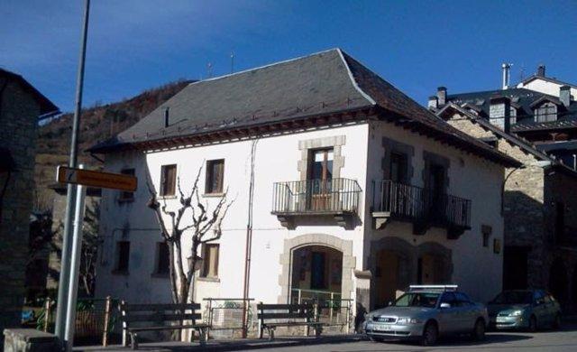 La Diputación Provincial de Huesca pide que la futura Ley de Vivienda atienda la realidad del medio rural .