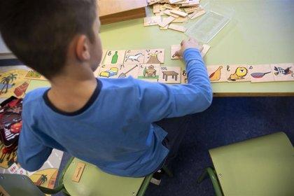 Cierra una guardería en Santiago por un positivo, pero siguen a la baja los casos en centros educativos de toda Galicia