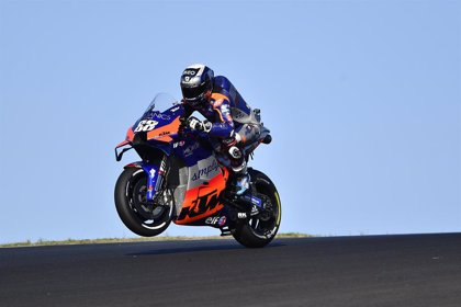 Oliveira, profeta a la seva terra i primera pole a MotoGP