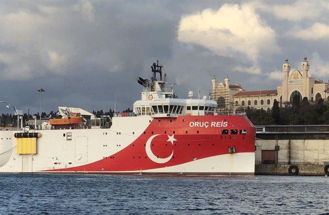 El barco de prospección de hidrocarburos turco 'Oruc Reis' en el Mediterráneo oriental