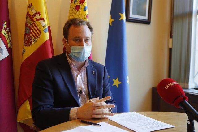 El alcalde de Albacete, Vicente Casañ, en entrevista con Europa Press