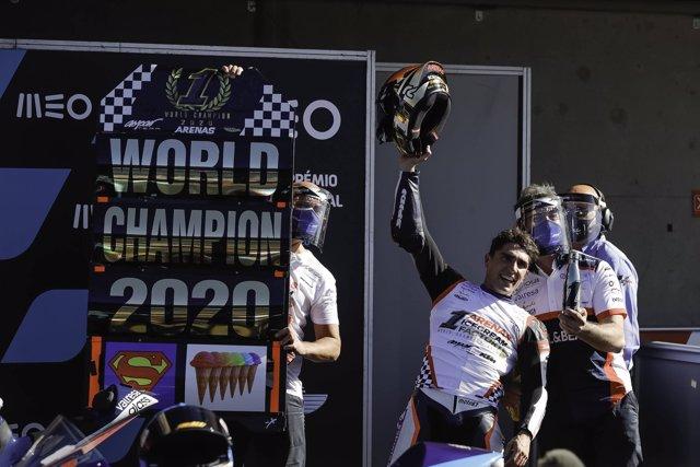 Albert Arenas, campeón del mundo de Moto3 2020