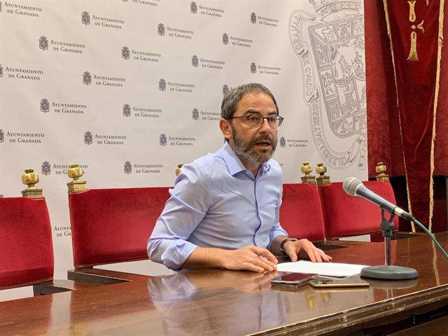 El viceportavoz del PSOE de Granada, Miguel Ángel Fernández Madrid