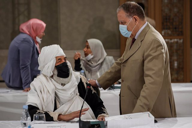 09 November 2020, Tunisia, Tunis: Libyan participants attend the UN-brokered Libyan Political Dialogue Forum. Photo: Khaled Nasraoui/dpa